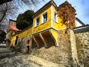 """Преди и сега: Архитектурно бижу в Стария град крие спомен от кино """"Балкан"""""""