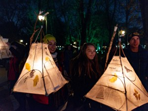 Приказни хартиени фенери осветиха Главната на Пловдив (Фотогалерия)