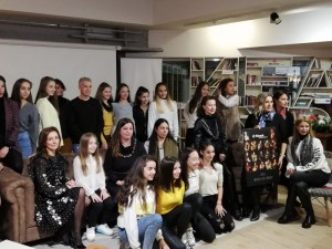 Fibank и Златните момичета представиха благотворителен календар с опашати приятели