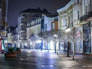 Магнетичен и самотен - нощният Пловдив (Фотогалерия)
