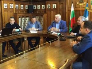 Нови мерки в Пловдив: Ще работят само аптеки и хранителни магазини, без разходки в града