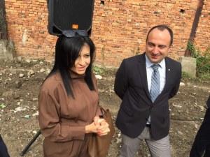 Зрелостници в Пловдив отидоха на матурите без документи, върнаха ги