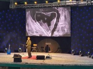 """""""Грамофонът"""" срещна Виктор Калев с първата му детска любов в Пловдив"""