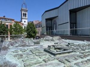 Древният Филипопол от бронз краси Епископската базилика