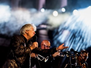 "Магнетичният Орлин Горанов и ""Акага"" подариха любов на Пловдив (Фотогалерия)"