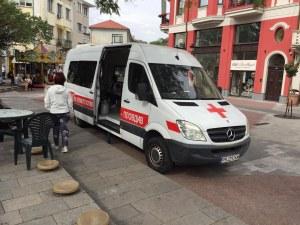 Акция в центъра на Пловдив! Доброволци даряват кръв безвъзмездно