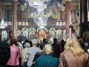 """Църквата """"Св. Петка"""" в Пловдив се препълни за храмовия си празник"""