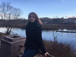 Различните млади: Моника Кънева ще покорява ценителите на изкуството в Англия