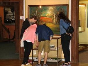 Етнографският музей показва 3 в 1 - Възрожденска изложба, ценни картини и луксозни каталози