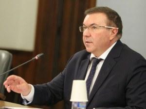 Костадин Ангелов: Умело се справяме с пандемията, въпреки че нямаме строги мерки