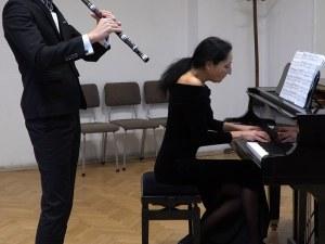 Преподавател от АМТИИ и млад музикант с първа награда от престижен конкурс в Италия