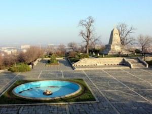 Община Пловдив пази с жива охрана и камери Хълма на Освободителите
