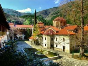 С близо 4 милиона лева ремонтират Бачковския манастир