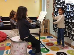 Деца лишени от родителска грижа стават солисти на филхармоничен оркестър в Пловдив