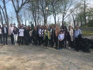 Доброволци с голяма акция по почистване на Дановия хълм