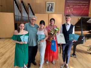"""Тромпетистът Георги Грозев е носител на награда """"Добрин Петков"""" на Музикалното училище"""
