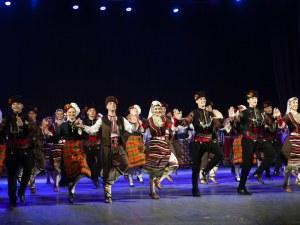 Фолклорът на Тракия превзема сцената на Летния театър в Пловдив