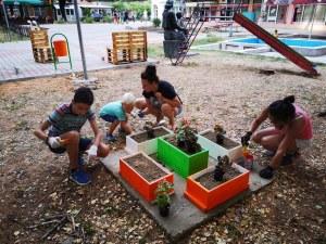 """Инициативата """"Ден на спорта в училище"""" обяви конкурс с награда за красив, зелен и активен двор"""