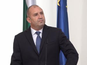 Радев официално назначи новото служебно правителство, министрите се заклеха