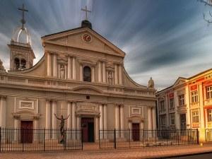 Проектът за възстановяване на облепената с фибран фасада на Католическата църква вече е в НИНКН