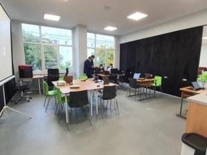 Пловдивските училища минават на 50% присъствено обучение